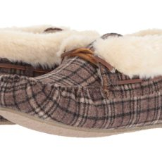Minnetonka Chrissy (Brown Plaid Suede) Women's Slippers
