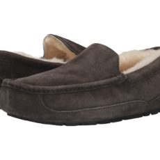 UGG Ascot - WIDE (Charcoal) Men's Slippers